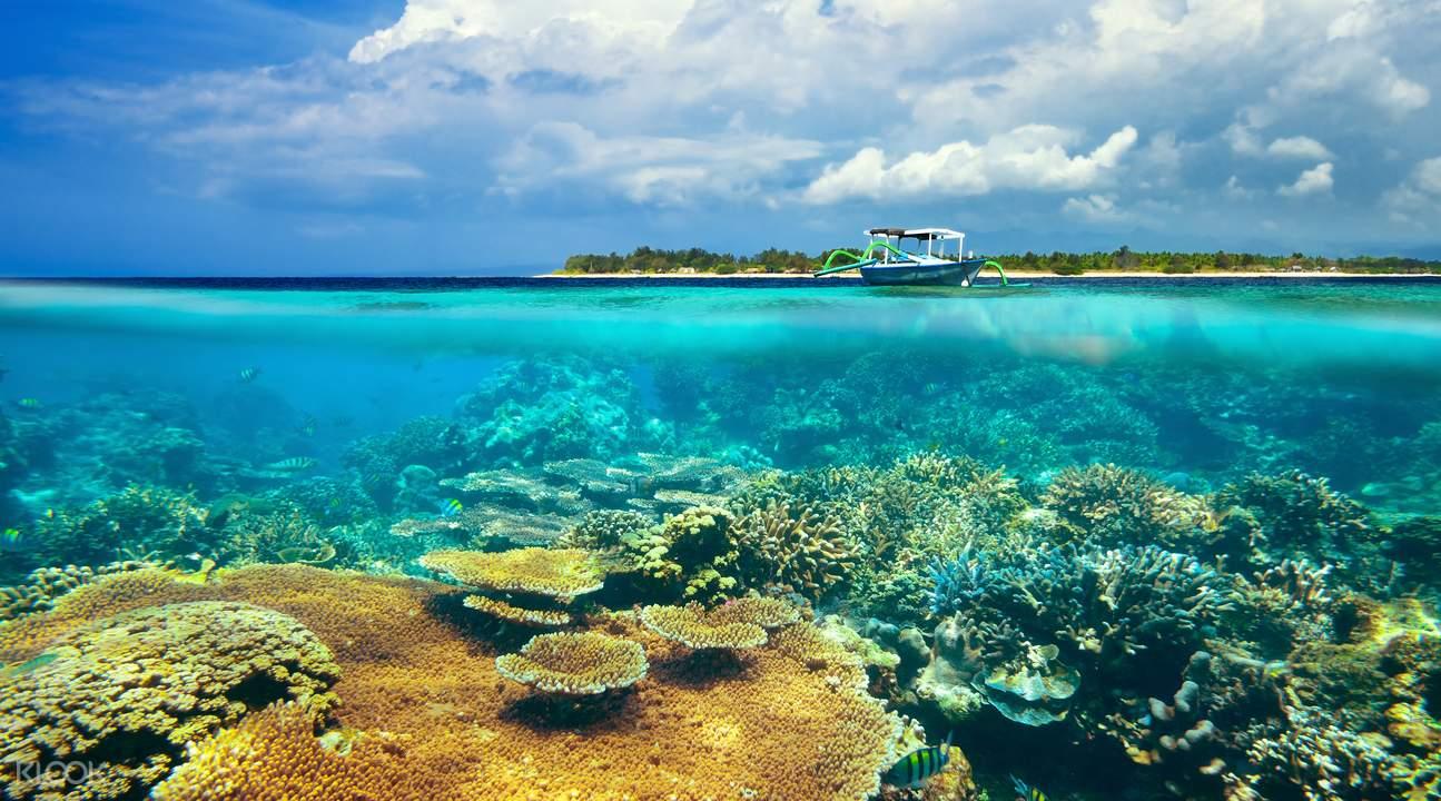 gili在印尼语的意思就是小岛,虽然西北部的三个吉利岛是较为人所知的
